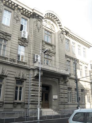 Folosirea izolatorilor si amortizorilor seismici – metoda izolarii bazei
