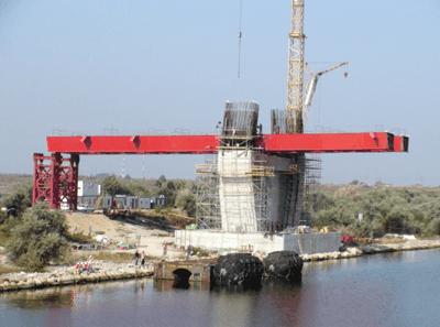 Podul peste Canalul Dunare – Marea Neagra din portul Constanta