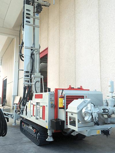IJF DRILLING SOLUTIONS: HYDRAULIC DRILL RIG 900 P – unul dintre cele mai performante utilaje pentru geotermie