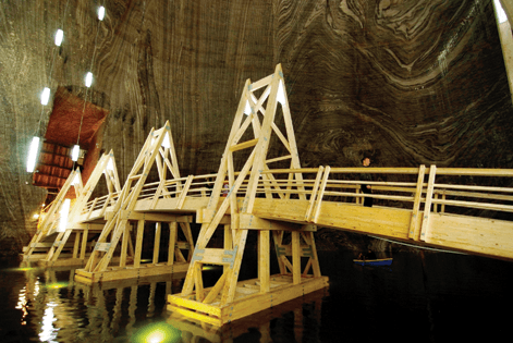 GLULAM: Rezistenta in medii agresive a structurilor din lemn lamelat Incleiat