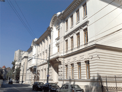 Monitorizarea seismica a primei cladiri din Romania protejata antiseismic prin metoda izolarii bazei