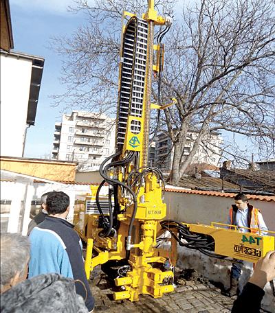 GEOSTUD: Instalatie de foraj pentru executarea de studii geotehnice
