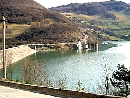 toderas - barajul mihoesti fig 1