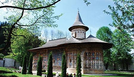 manastirea_voronet